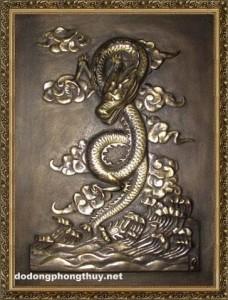 tranh chạm đồng rồng vàng uy nghi